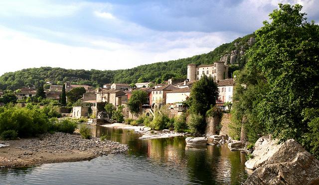 Vogüé village