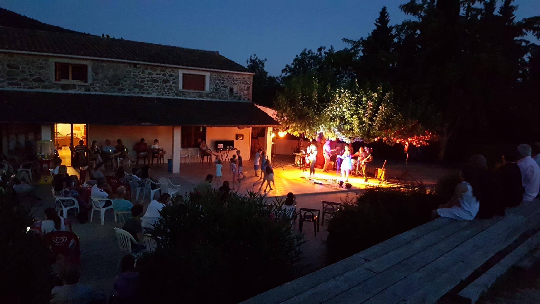 Concert au camping en Ardèche