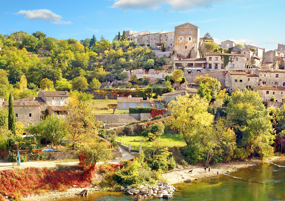 Top 5 des raisons de visiter l'Ardèche : les plus beaux villages de France